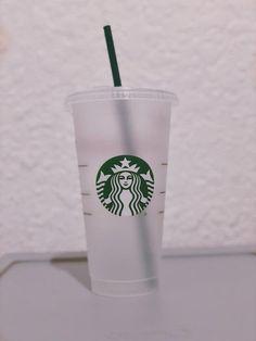 Copo Starbucks, Starbucks Cup Art, Starbucks Vanilla, Custom Starbucks Cup, Pink Starbucks, Starbucks Tumbler, Starbucks Recipes, Starbucks Drinks, Iced Coffee Cup