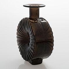 """Helena Tynell, pullo, """"Aurinkopullo"""", lasia. Riihimäen Lasi Oy. Tuotannossa 1964-1974. - Bukowskis Glass Design, Design Art, Lassi, Tom Dixon, Bukowski, Modern Contemporary, Retro Vintage, Perfume Bottles, Perfume Bottle"""