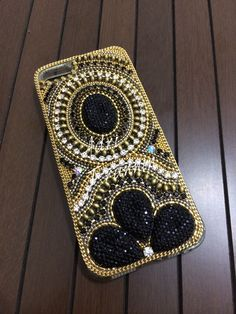 Capa de celular Capinha celular Case celular By adritrannin Bling Phone Cases, Iphone Cases, Vintage Desktop Wallpapers, Holiday Store, Phone Background Patterns, Bead Crochet Rope, Cell Phone Covers, Mobile Covers, Jewelry Making Tutorials