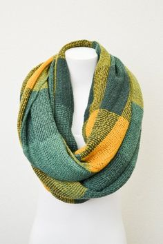 Color Block Knitted Infinity Scarf - Green