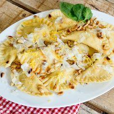 Ravioli mit Ricotta-Lachs-Füllung Rezept | Küchengötter