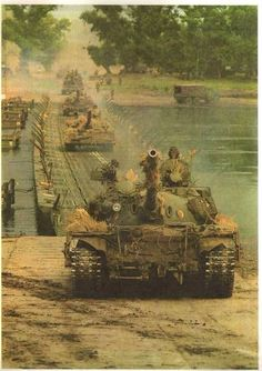 NVA T-55A Pictures Of Soldiers, Military Pictures, T 62, Warsaw Pact, East Germany, Battle Tank, Military Weapons, World War One, German Army