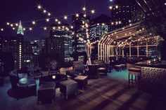 Where to find the Best Rooftop Bars in New York City - Upstairs at the Kimberly Hotel New York Rooftop, Rooftop Bars Nyc, Rooftop Lounge, Rooftop Restaurant, Rooftop Party, Decoration Restaurant, Design Bar Restaurant, Manhattan Neighborhoods, Hotels