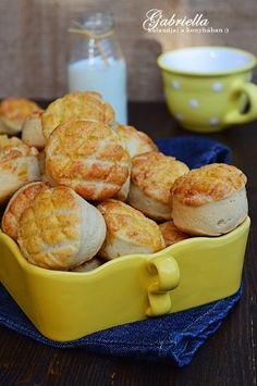 Scones, Food Styling, Macaroni And Cheese, Shrimp, Biscuits, Cereal, Meat, Breakfast, Ethnic Recipes