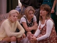 #90210 Beverly Hills 90210, Beverly High School, 90210 Fashion, 90s Pop Culture, Fashion Through The Decades, Jennie Garth, American Teen, Melrose Place, 90s Fashion