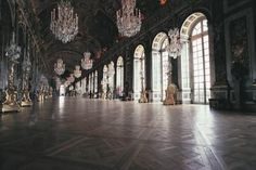 Guided Half Day Tour of the Palace of Versailles - Paris, France