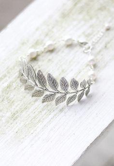 Leaf Bracelet with Swarovski Pearls