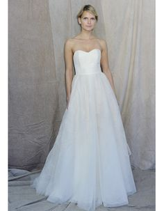 Not usually one for pinning wedding dresses, but I liked this one and why not.