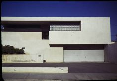 Kennedy residence, Hollywood, Los Angeles, Calif., 1939 :: Kennedy residence, Hollywood, Los Angeles, Calif., 1939 :: Architectural Teaching Slide Collection. http://digitallibrary.usc.edu/cdm/ref/collection/p15799coll42/id/395