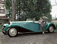 Date Jean Bugatti with the Bugatti Royale 'Esders' Roadster. Jaw-Dropping Rare Photos Of Amazing People In History Bugatti Royale, Vintage Cars, Antique Cars, Motos Vintage, Automobile, Bugatti Cars, Bugatti Models, Bugatti Veyron, Rare Photos