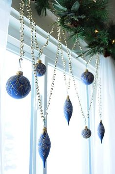 Your Christmas window decorations are one of them. Christmas window decorating are important and it's great that you are looking out for ideas on time. Xmas Window Decorations, Christmas Window Boxes, Christmas Door, Diy Christmas Gifts, All Things Christmas, Christmas Holidays, Christmas Ideas, Silver Christmas, Christmas Ornaments
