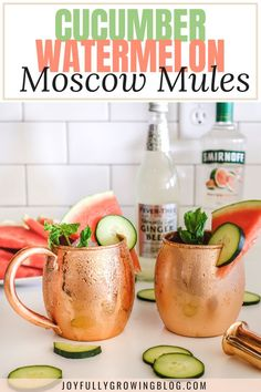 The best Moscow Mule recipe that isn't too sweet! These cucumber watermelon mosc… The best Moscow Mule recipe that isn't Easy Alcoholic Drinks, Drinks Alcohol Recipes, Fun Drinks, Beverages, Drink Recipes, Margarita Recipes, Food And Drinks, Rumchata Recipes, Booze Drink