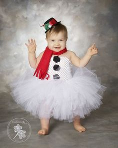 Christmas tutu dress christmas dress red tutu by TrendyBambini Diy Tutu, Christmas Tutu Dress, Christmas Baby, Christmas Pics, Christmas Snowman, Cute Kids, Cute Babies, Tulle Crafts, Tutus For Girls