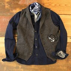 A great example of good use of layering for men. Vests are extremely versatile