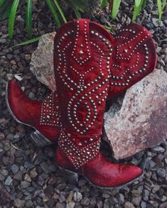 Boot Junky is named such, because we live for women's western boots! We have women's cowgirl boots, have Old Gringo boots for sale, and more! Red Cowgirl Boots, Cowgirl Style, Western Boots, Cowgirl Chic, Gypsy Boots, Black Cowgirl, Womens Cowgirl Boots, Cowgirl Baby, Ugg Boots