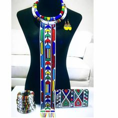 African Beads Necklace, African Jewelry, African Wear Dresses, African Attire, African Traditional Wear, Traditional Outfits, Xhosa Attire, Motifs Perler, African Accessories