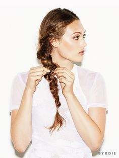 How+to+Create+a+Romantic+Uneven+Braid+via+@ByrdieBeauty