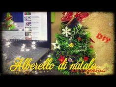 [#NATALE] ᐂ LAVORETTI DI NATALE, ALBERO FAI DA TE da scrivania ᐂ Ecco come fare un alberello di Natale da scrivania: a casa o in ufficio fa un figurone (e occupa poco spazio :D)!   #natale #christmas #christmastree #lavorettidinatale #diy