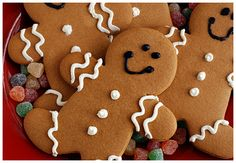 Nice and easy gingerbread men icing design