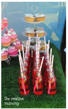 Peppa Pig birthday party buffet drinks food