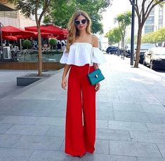 Comment porter la tenue rouge et blanc Red Pants Outfit, Summer Pants Outfits, Spring Outfits, Summer Dress, Outfit Work, Look Fashion, Hijab Fashion, Fashion Outfits, Womens Fashion