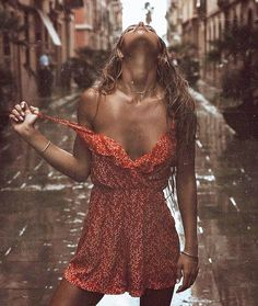 You have to learn to dance in the rain. To take every storm and embrace it. Everything happens to make you stronger. Keep your focus on God and He will turn everything great Rain Photography, Fashion Photography, Rainy Day Photos, Rain Pictures, Rain Fashion, Walking In The Rain, Picture Poses, On Your Wedding Day, Sensual