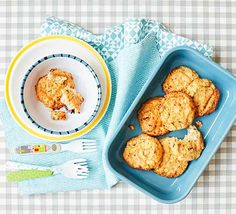 Toddler recipe: Whip up these easy cauliflower cheese cakes for your toddler at lunch or dinner time. They're great for baby-led weaning and easy to freeze Bbc Good Food Recipes, Easy Cake Recipes, Easy Desserts, Baby Food Recipes, Cooking Recipes, Kid Recipes, Cooking Videos, Recipes Dinner, Toddler Meals