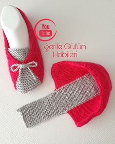 Diy Crochet Patterns, Crochet Slipper Pattern, Baby Knitting Patterns, Knitting Stitches, Crochet Crafts, Hand Knitting, Baby Shoes Pattern, Shoe Pattern, Knitted Slippers