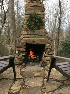 Rustic Outdoor Fireplace Designs Ideas For Your Barbecue Party Rustic Outdoor Fireplaces, Outdoor Fireplace Designs, Rustic Patio, Backyard Fireplace, Rock Fireplaces, Fireplace Ideas, Outdoor Living Areas, Outdoor Rooms, Outdoor Decor