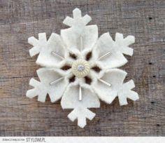 sneeuwvlok van vilt, leuk als decoratie of als sleutelhanger