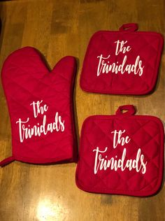 Excited to share this item from my #etsy shop: Personalized Oven Mitt and Potholders Set-Retirement Gift-Anniversary Gift-Housewarming Gift-Mother's Day Gift-Wedding Gift Ideas Godparent Gifts, Personalized Gifts, Customised Gifts, Grandma Gifts, Gifts For Mom, Housewarming Gift Baskets, Housewarming Party, 25th Anniversary Gifts, Retirement Gifts For Women