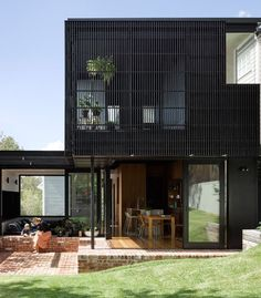 Exterior Cladding Facades Interior Design 59 Ideas For 2019 Bungalow Exterior, Stucco Exterior, Exterior Cladding, House Paint Exterior, Exterior House Colors, Modern Exterior, Exterior Shutters, Exterior Homes, Exterior Signage