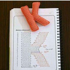 Alphabet A, Crochet Alphabet Letters, Crochet Letters Pattern, Letter Patterns, Crochet Patterns, Crochet Home, Free Crochet, Crochet Christmas Decorations, Crochet Symbols