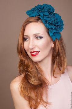 Ободок с цветами - купить или заказать в интернет-магазине на Ярмарке Мастеров - CVF5LRU. Москва | Шелковые розы на ободке прекрасное дополнение…
