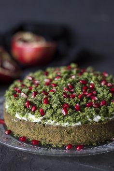 Torta di spinaci e melograno -Spinach cake with pomegranate