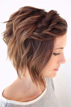 Wavy bob with twisted bangs for thin hair. wavy bob with twisted bangs for thin hair bob wedding hairstyles, bob updo Braids For Short Hair, Short Hair Cuts, Pixie Cuts, Bob Cuts, Pixie Bob, Long Pixie, Long Bob, Easy Hair Short, Curly Braids