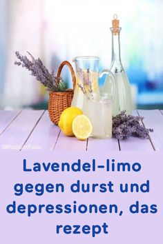 Lavendel-limo gegen durst und depressionen, das rezept Lavender limon against thirst and depression, the recipe Smoothie Menu, Pear Smoothie, Fruit Smoothies, Healthy Smoothies, Smoothie Recipes, Drink Recipes, Tailgate Drinks, Best Mixed Drinks, Breastfeeding Foods