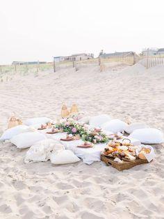 Picnic Dinner, Beach Dinner, Beach Picnic, Beach Party, Picnic Parties, Backyard Picnic, Dinner Parties, Picnic Birthday, Birthday Dinners