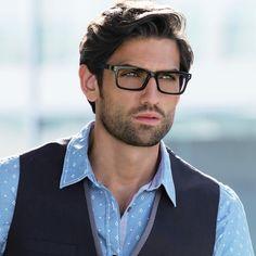 lunette hipster, grosse lunette de vue, monture noire en plastique, homme  avec chemise 94bf9b3ae7ed