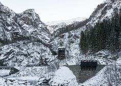 Allmannajuvet tourist route pavilion in Norway by Peter Zumthor. Photograph by Per Berntsen