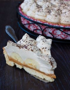 Banana Cream Pie A sweet and creamy blend of ripe bananas and custard. Sweet banana on the inhale and sweet cream on the exhale. This one is sure to be a new favorite. Czech Recipes, Custard, Sweet Recipes, Camembert Cheese, Food And Drink, Dairy, Sweets, Chocolate, Banana Cream