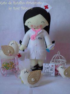Boneca enfermeira.