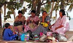 Aclaración: Las mochilas wayuu son de las indígenas wayuu no de stella rittwagen, Warning: Wayuu Backpacks are made by wayuu women not by stella Rittwagen   inesfbl