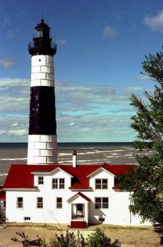 Sable Point Lighthouse, Michigan (70 pieces)