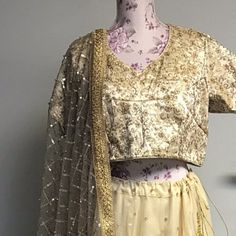 Designer Indian Traditional Golden Dupatta Chunni Stole Scarves embroiderd Net for Lehenga Suit Salwar Kameez for Women and Girls Party Wear Lehenga Suit, Yellow Lehenga, Party Wear Lehenga, Lehenga Choli, Party Wear For Women, Girls Party Wear, Golden Dupatta, Wedding Mehndi, Mehndi Party