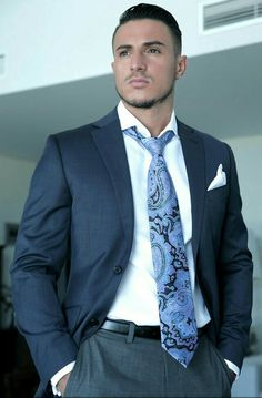 Men in Suit and Leather Mens Fashion Suits, Mens Suits, Today's Man, Classic Suit, Business Outfit, Suit And Tie, Well Dressed Men, Sport Coat, Stylish Men