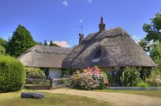 """Thatched cottage in the """"Lincolnshire Wolds"""" - David Dales Old Cottage, Cottage Art, Cottage Homes, Cottage Gardens, Rustic Cottage, Cottages England, Thatched House, Thatched Roof, Devonshire England"""