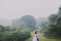 Singapore is full of beauty, but because it's also dense and heavily urbanised, it can be difficult to find the perfect backdrop for your pre-wedding photos. If you're struggling to find a backdrop that speaks to you, who better to ask than the pros?