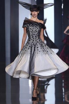 Ralph & Russo : Runway - Paris Fashion Week : Haute-Couture Fall/Winter 2014-2015 SEXY !!!!!!