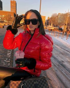 Winter Coats Women, Winter Jackets, Winter Suit, Down Puffer Coat, Black Leather Gloves, Puffy Jacket, Snow Suit, Jacket Style, Lady